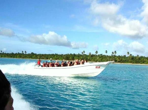 speedboat-on-punta-cana-tour